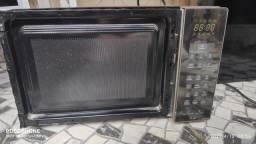 Título do anúncio: Micro-ondas Panasonic Style NN-ST674SRUN 32L<br><br>