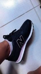 Tênis NB