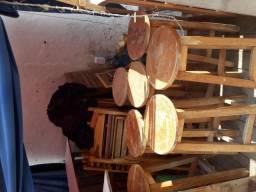 Bancos em madeira envernizado para bares, restaurantes e food parks
