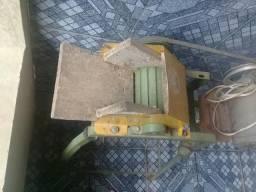 Ralador de mandioca c/ motor