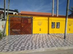 Linda casa em Mongaguá,aceita financiamento bancário