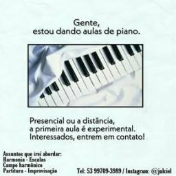 Aulas de teclado e piano
