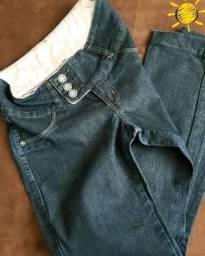 Calça jeans da marca Officio