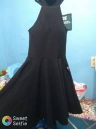 Vendo esse vestidos tamanho M mas estica
