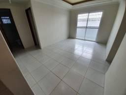 Bessa - Térreo com 3 quartos sendo 2 suítes, ampla área externa, 2 vagas de garagem
