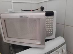 Microondas  Electrolux 33 litros com defeito