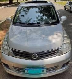 Tiida SL automático 2012
