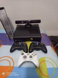 Vendo XBox 360 valor R$ 850.00