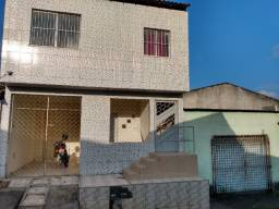 Alugo casa