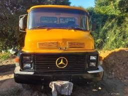 Vendo caminhão 1113 ano 1985 no chassi consta bau no documento