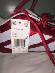 Vendo chuteira de futebol Adidas