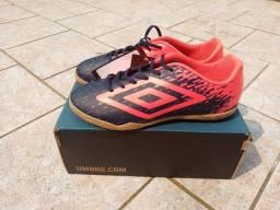 Tênis futsal umbro, original e nova na caixa