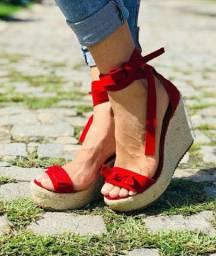 Sandália Salto Anabela vermelha com solado em corda