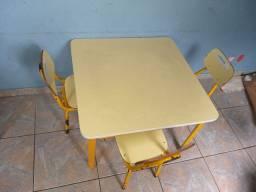 Conjunto de Mesa infantil