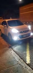 Nissan maech 2015