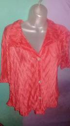Blusa M bem conservada 10 REAIS