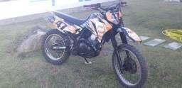 Lander 250cc de trilha