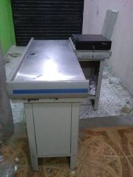 balcão caixa com gaveta de dinheiro Tanca R$ 700.