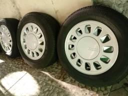 Rodas VW Santana GLS aro 14 Pingo com pneus
