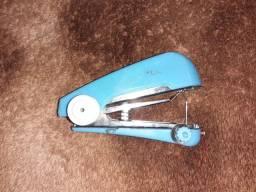 Máquina de costura a mão (portátil)