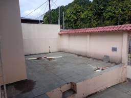 Alugo casa no Dom Pedro com 4 quartos sendo 1 suíte