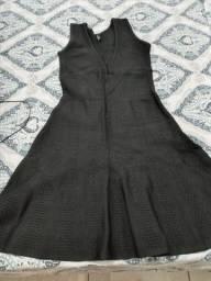 Vestido preto marca Lança Perfume
