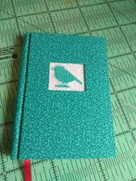 Caderninho artesanal com bordado