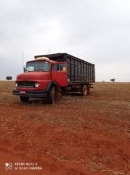 Caminhão boiadeiro a venda