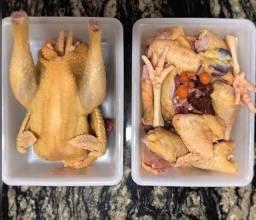 Promoção 2 galinhas 50.00 faço entrega