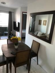 Alugo apartamento 2 quartos mobiliado. Com Varanda.