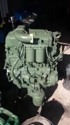 Motor de 608 novo 4 cil.