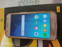 Samsung j5 ( dourado)..