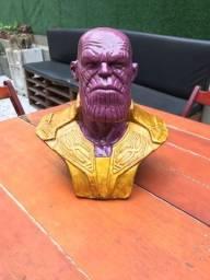 Vaso em gesso Thanos e Groot