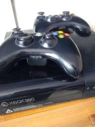 Xbox 360 - 2 Controles - 13 jogos DIGITAIS