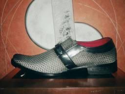 Título do anúncio: Sapato Social! Em cor Azul, vermelho e bege. Tam. 41
