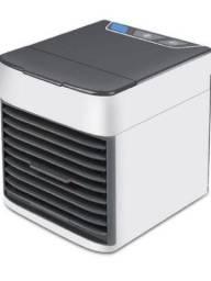 Vendo umidificador de ar novinho na caixa sem uso Perfeito Branco