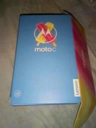 Celular moto c plus na caixa