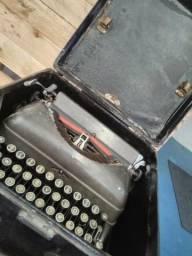 Máquina De Escrever - Remington - C/ Caixa Original - Aceito Proposta