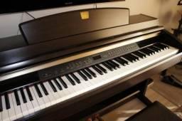 Piano Clavinova Yamaha CLP 240 comprar usado  Venâncio Aires