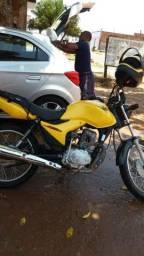 Vendo ou troco uma moto amarelinha por uma broz dut em branco ela esta pronta pra emplacar - 2013