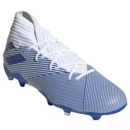Chuteira Campo Adidas Nemeziz 19 3 FG - Branco e Azul<br><br>