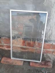 Vendo duas janelas fixias