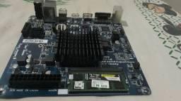 Placa mãe com memória ram de 4Gb semi-novo
