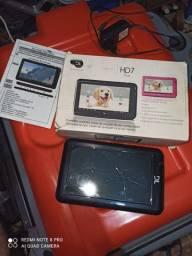 Tablet DL tela quebrada. Vendo barato pra quem quiser arrumar.