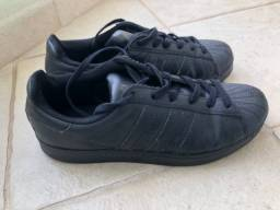Tênis adidas superstar preto- número 35 (usado poucas vezes)