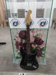 Fender Squier Japan 94 Guitarra pra músicas exigente.