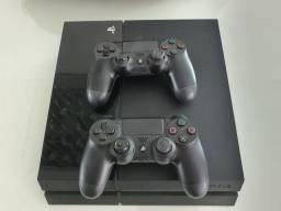 PS4 - Playstation 4 de 500GB.