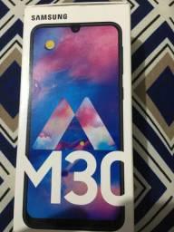 Caixa de celular M30