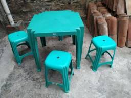 Conjunto mesa e banquetas - Tramotina