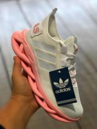 Tênis Adidas Yeezy Novo